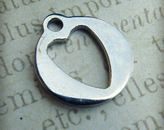 Heart Charm, Stainless Steel Jewelry Pendant, Set of 5 SST Findings 13.50x15x1.50mm Cut Out Elongated Heart Charm (004)