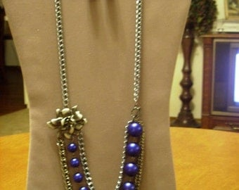 Silver Rose Pendant w/Royal Blue Glass Pearls Silver Metal Chain Necklace Earring Set