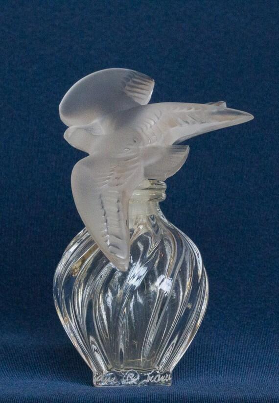 vintage lalique crystal perfume bottle lair du temps. Black Bedroom Furniture Sets. Home Design Ideas