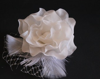 Bridal Hair Fascinator, Hair Flower Clip French Netting and Feathers, Ivory Flower Clip, Wedding Accessories