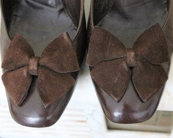 SEPTEMBER SHIPMENT - Authentic Christian Dior New look brown leather shoes from the 50s Made in France Found in Paris