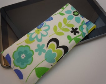 eyeglass case sunglass soft case padded canvas lined Whimsical blue green black floral
