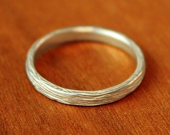 Narrow Branch Wedding Band in sterling silver. Women's wedding band. Alternative Wedding Ring.