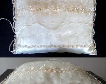 RING BEARER Wedding Pillow white rectangular \