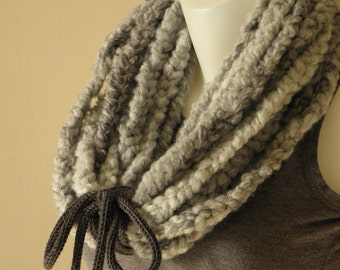 Necklace snood woolen By Bahia Del Sol