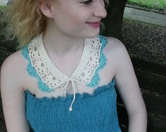 Crocheted Collar with Flower Detail in Cream and Turquoise