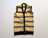 Vintage 50's 60's men's sweater vest bight yellow and black diamond pattern preppy hipster excellent condition