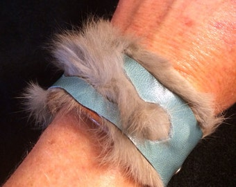 Leather cuff with rabbit fur