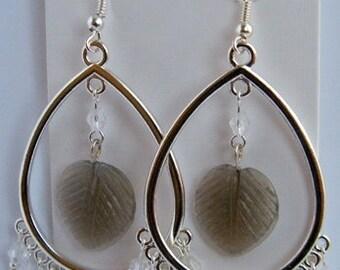 Beautiful chandelier earrings with leaves