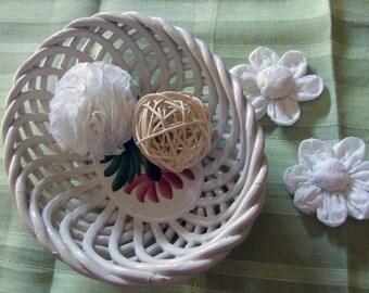 Twisted ceramic baket