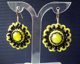 Elegant, romantic earrings in current vintage-look