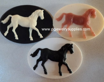 40mm x 30mm Horse resin cameos running 3 pc mix l