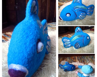 Felted Wool Kissing Fish