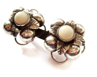 Vintage Mexican ?Taxco silver and white stone brooch, flower design, 1930s 1940s. Handmade. #61.
