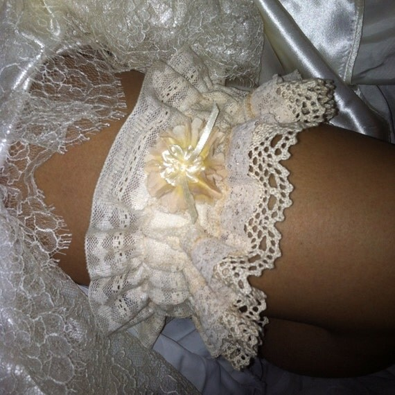 Crochet Wedding Garter: Items Similar To Something Old Ruffled Crochet