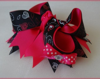 Valentine's Day Hair bow,Valentine Themed Hair bow ,Toddler Girl Hair bow, Boutique Hair bow ,Girl Hair bow,  Valentine's Hair bow