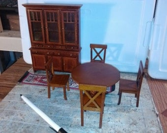 High Quality dollhouse furniture walnut dining room set lot gorgeous Lee's Miniatures table and gorgeous rare IDM Hutch with runner rug 1/12