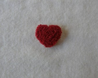 Hooked heart pin - red yarn