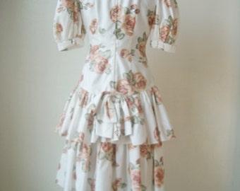 Vintage 80s Ruffled dress.