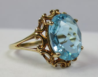 BLUE TOPAZ FILIGREE Ring in Yellow Gold Vintage