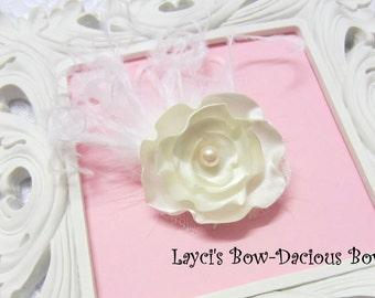 Ava Flower Hair Clip, ivory flower clip, handmade flower clip, satin flower, ivory flower, more colors available, international shipping