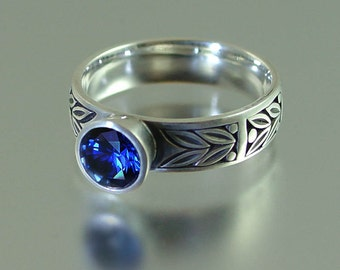 SACRED LAUREL silver ring with Blue Sapphire