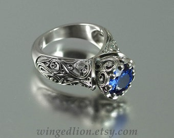 The ENCHANTED PRINCESS 14k gold engagement ring with Blue Sapphire