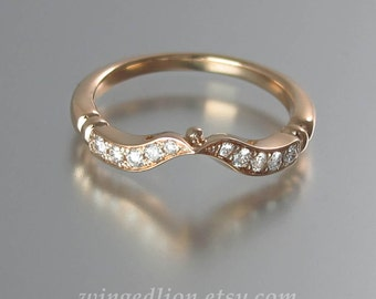 DELIGHT 14K rose gold wedding band with white sapphires