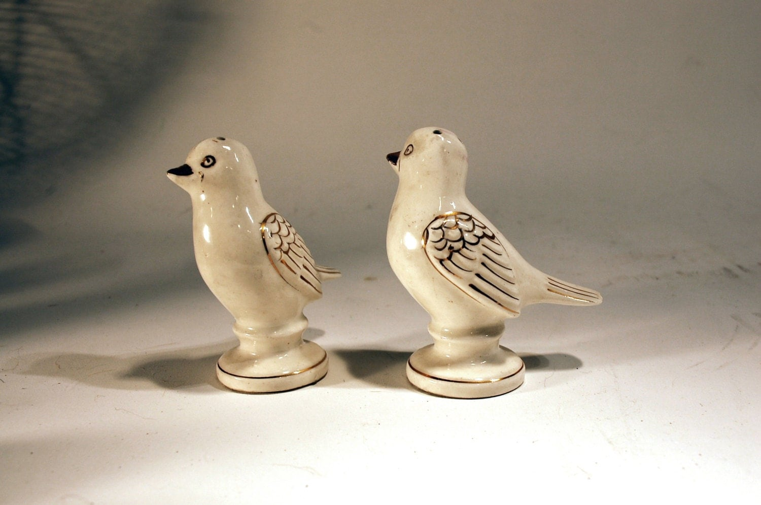 Vintage Bird Salt And Pepper Shakers Ceramic Ivory By