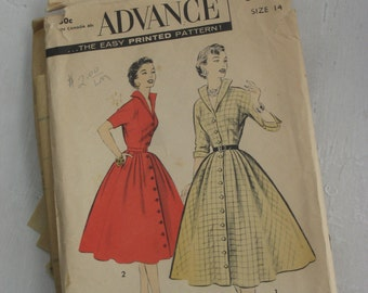 Vintage 1950s Advance Sewing Pattern #8239 - Wing Collar Dress with Full Skirt  Size 14 (4239-W)