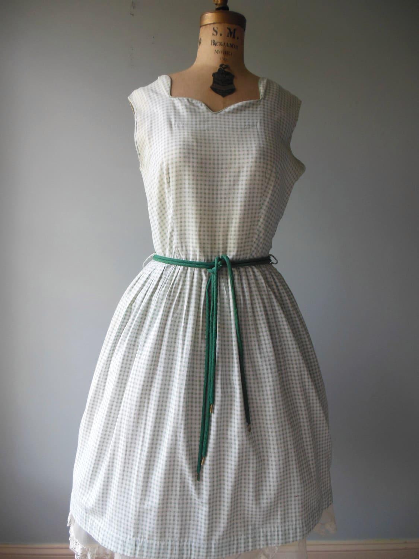 1940s Day Wear: Vintage 1940s Dress / House Day Dress