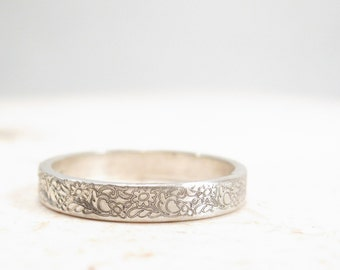 Silver Flower Ring - Floral Wedding Band - Vintage Inspired Ring
