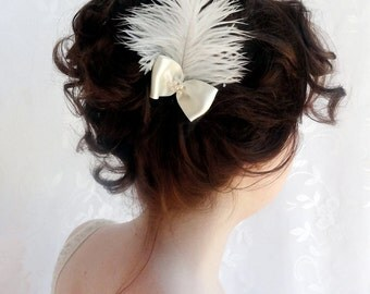 bridal feather hair, small feather hairpiece with bow, small fascinator, ivory or white ostrich feather - ELIZA - wedding hair clip