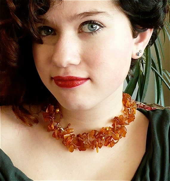 Queen Bee -- Wavy honey choker with big chunks of amber and golden freshwater pearls