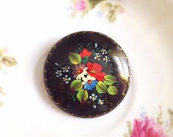 Vintage Made in Russia Hand-Painted Round Flower Brooch. Woodland. Painted Flowers. Black. Red. Green. Unique. 1990s. Wood. Under 25. Gifts.