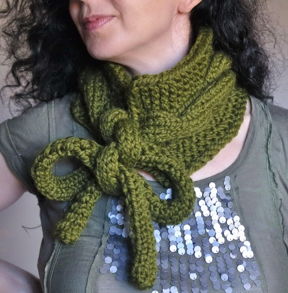 Knitting Circle Near Me : Twist me around hand knit chunky cable neckwarmer knitted