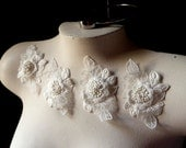 4 Ivory Lace 3D Appliques for Bridal, Garters, Headbands, Sashes, Costume Design IA 117