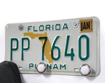 Florida Coat Rack - FL Hat Rack from Recycled License Plate - Putnam License Tag - Clothes Hangers - Travel Decor