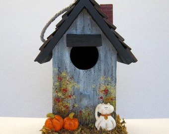 Fall Harvest Birdhouse with White Kitty