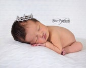 Mini Crown. Baby Crown. Baby Tiara. Mini Tiara. Newborn crown. Newborn tiara. Crystal crown. Newborn photo prop. baby showergift