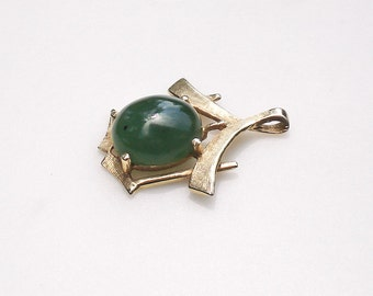 Vintage 14k Gold Asian Pendant with Jade