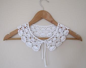 PETER PAN Collar, Lace Collar, Crochet Necklace, Lace Neckpiece, White Crochet Collar, Vintage Style Collar, Retro Collar, Black Knit Collar