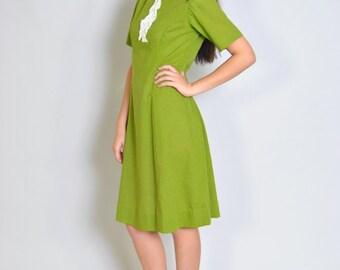 Vintage Dress 60s Chartreuse Lace Bib Green MOD Shift Dress S M Moss Autumn Fall