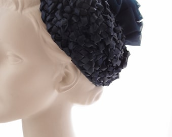 1960s navy blue hat / glossy straw and tulle toque hat