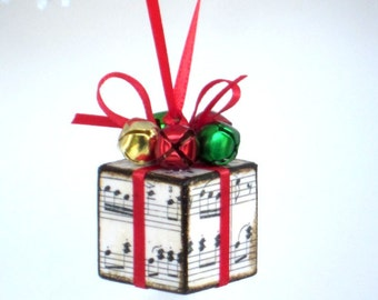 Small Christmas Tree Ornament Red and Green Sheet Music Christmas Present Package Decoration Jingle Bells