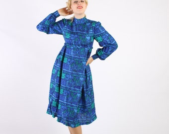 Dress Silk 1960s 1970s Vintage 60s 70s Novelty Print People Trees S Small