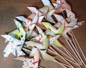 Paper Pinwheels Wedding Pinwheels Twirling Pinwheels Set of 12 Pinwheels Birthday Party Favors Baby Shower Favors Wedding Table Place Cards