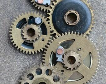 Vintage clock brass gears -- set of 5