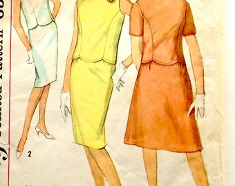 60s Simplicity 4473 Scalloped Edge Blouse and Slim or Flared Skirt Size 12 Bust 32