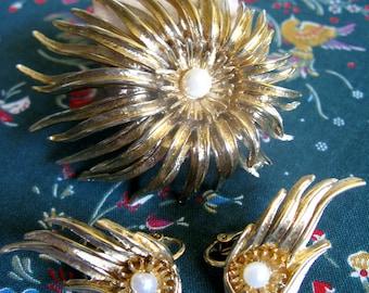 Marcel Boucher 1960s Brooch Earrings Cultured Pearl Gold Tone Demi Parure Signed